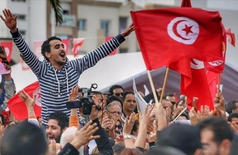 """عقد على اندلاع ثورة تونس.. تاريخ دفع """"بن علي"""" للهرب"""