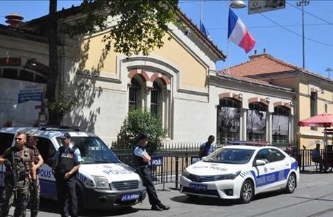 إصابة قس فرنسي بإطلاق نار وفرار المنفذ