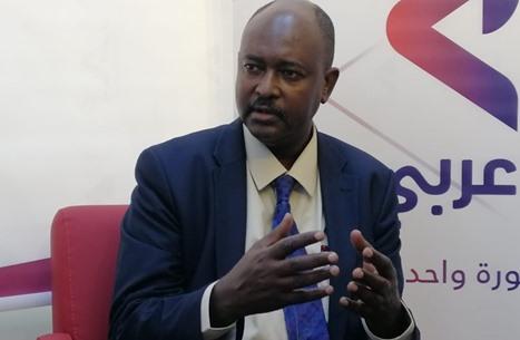 """نقيب صحفيي السودان: """"الجنائية"""" فاسدة وتسليم البشير مستبعد"""