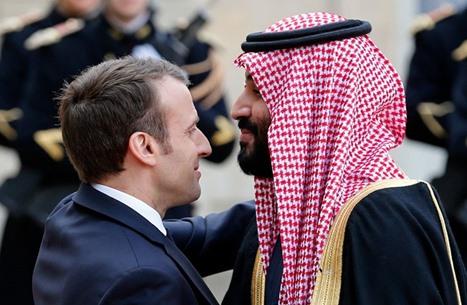 دعم سعودي غير متوقع لتوجهات ماكرون ضد المظاهر الإسلامية