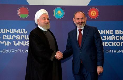 لماذا نأت إيران بنفسها عن أرمينيا في حربها مع أذربيجان؟