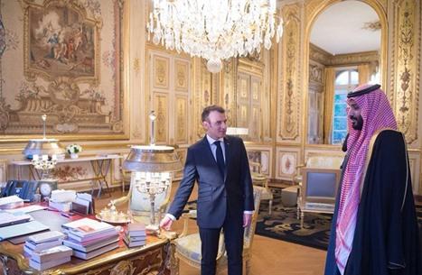 كتاب سعوديون وإماراتيون يعارضون حملة مقاطعة فرنسا.. وجدل