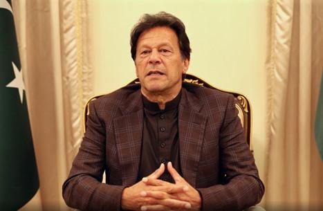 عمران خان يدعو دول الغرب إلى معاقبة المسيئين إلى النبي