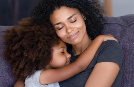 """""""الطفل المفضل"""".. نصائح للحفاظ على استقرار العائلة"""
