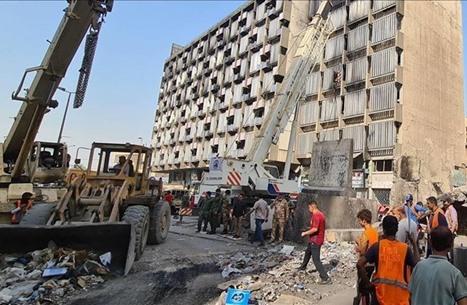 """هل تتحول ساحات التظاهر في العراق إلى """"صدام مسلح""""؟"""