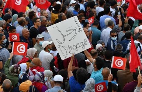 إيطاليا تطالب بعودة العمل المؤسسي في تونس