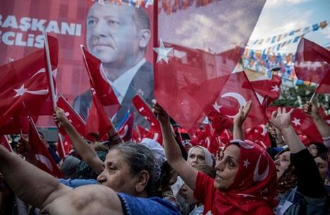 """""""العدالة والتنمية"""" التركي أمام 3 اختبارات للحفاظ على ناخبيه"""