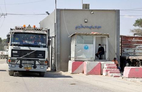 هآرتس: التسهيلات بغزة بالتنسيق مع مصر هدفها تأجيل المواجهة