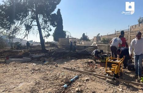 الاحتلال يجرّف مقبرة بالقدس.. واعتقالات ومداهمات في الضفة