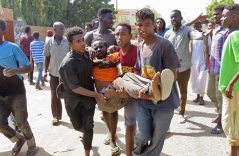 ارتفاع حصيلة قتلى السودان إلى 4.. والبرهان يحل النقابات