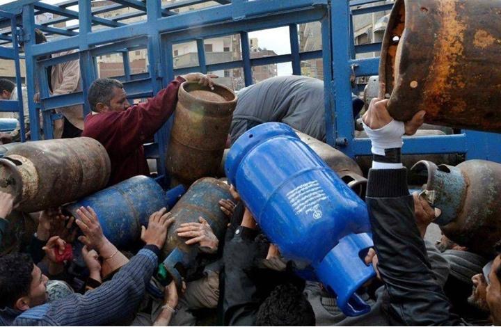 أزمة أسطوانات الغاز تثير احتجاجات واسعة بمصر