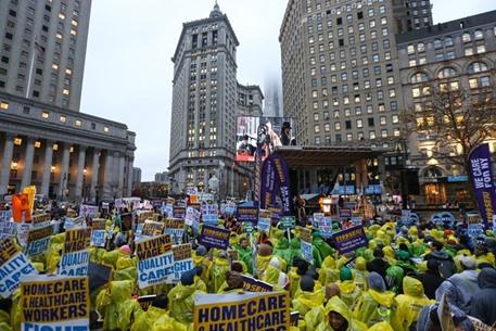 مظاهرات في أمريكا تطالب برفع أجور العمال - 01- مظاهرات في أمريكا تطالب برفع أجور العمال - الاناضول
