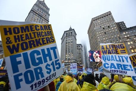 مظاهرات في أمريكا تطالب برفع أجور العمال - 05- مظاهرات في أمريكا تطالب برفع أجور العمال - الاناضول