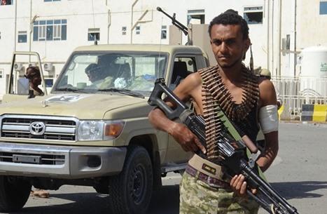 """هجوم للحوثي بالحديدة.. و""""الانتقالي"""" يحاول التقدم بتعز اليمنية"""