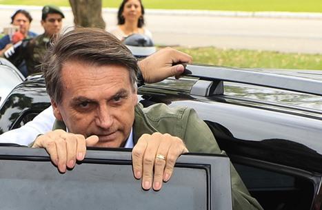 الرئيس البرازيلي يشكك بفعالية لقاح كورونا ولن يخضع للتطعيم