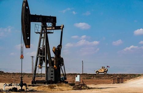 تراجع أسعار النفط والذهب وسط شكوك حول لقاح كورونا