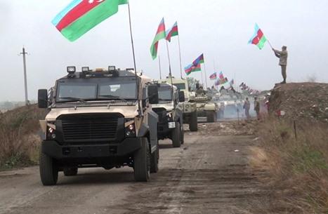 """الجيش الأذري يدخل محافظة كالباجار بـ""""قره باغ"""" (فيديو)"""