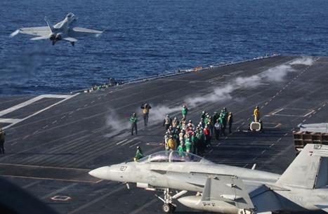 حاملة طائرات وسفن حربية أمريكية تتحرك باتجاه الخليج