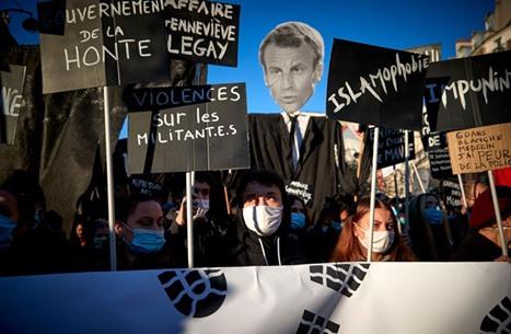 احتفاء عربي باحتجاجات فرنسا واستمرار مقاطعة منتجاتها