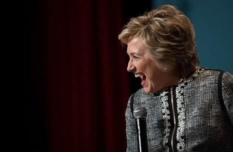 الغارديان: كلينتون تحذر من خطر منصات التواصل على الديمقراطية