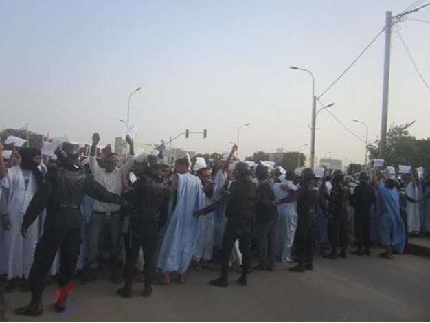 مسيرة في نوكشوط ضد شارلي ايبدو - unnamed (4)
