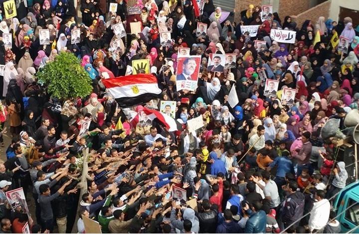 صحيفة: عقد من الإهمال الغربي للربيع العربي وثورة مصر
