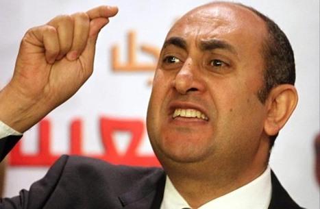 """جدل حول """"استغلال"""" قضية تيران وصنافير لتلميع خالد علي"""