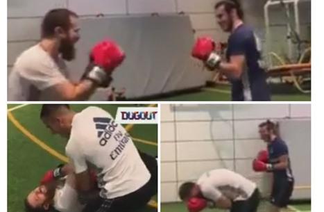 غاريث بيل يتحول لملاكم ويسقط مدربه بالضربة القاضية (فيديو)