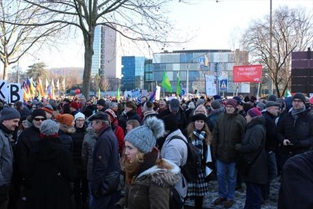 احتجاجات في المانيا ضد عقد مؤتمر تحالف يميني متطرف - 06- احتجاجات في المانيا ضد عقد مؤتمر تحالف يمين