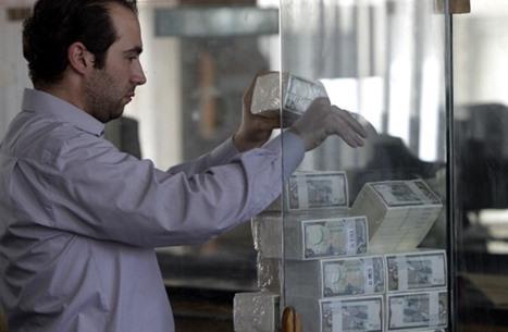 """انتقادات لاعتماد """"مركزي سوريا"""" سعر """"السوق السوداء"""" للدولار"""