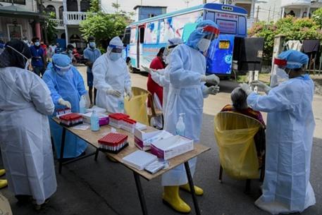 """إصابة وزيرة صحة سريلانكا بكورونا رغم تناولها علاجا """"سحريا"""""""