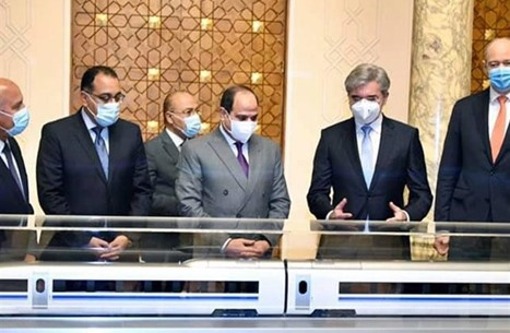 ما سر تناقضات مشروع قطار مصر الكهربائي؟