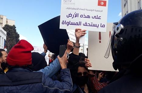 مواجهات بين الأمن التونسي ومحتجين قرب البرلمان (شاهد)