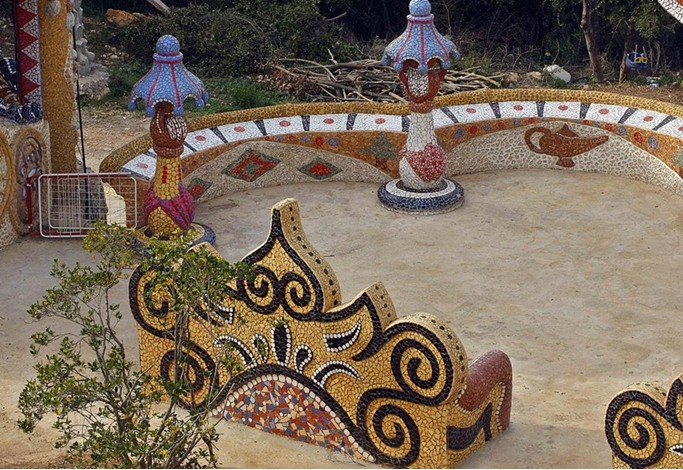 """""""قصر الأحلام"""".. تحفة فنية بقدرات فردية في شمال لبنان - aa_picture_20131215_1176140_web"""