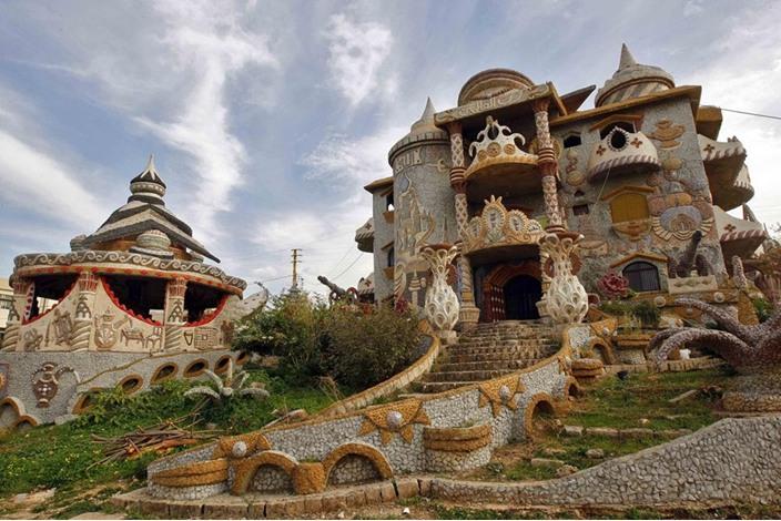 """""""قصر الأحلام"""".. تحفة فنية بقدرات فردية في شمال لبنان - aa_picture_20131215_1176146_web"""