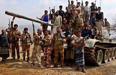 مصدر يمني ينفي اتهامات حوثية بتقديم أسماء أسرى وهميين