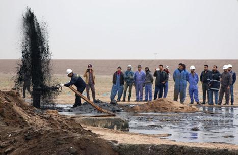 """العراق يسجل أول زيادة بصادرات النفط منذ بدء اتفاق """"أوبك"""""""