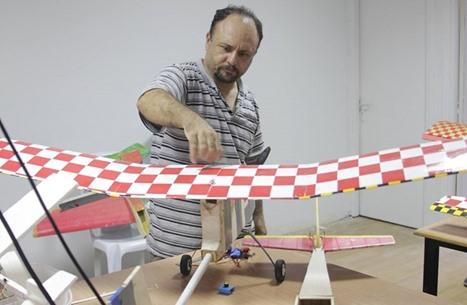 """""""القسام"""" يكشف كم طائرة درونز أنتج الزواري قبل عام 2008 (شاهد)"""
