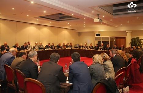 """خلافات بـ""""هيئة التفاوض"""" السورية.. ومطالبات بتدخل """"بيدرسون"""""""