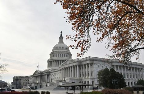 النواب الأمريكي يقر قانونا يمنع فرض حظر سفر على أساس الدين