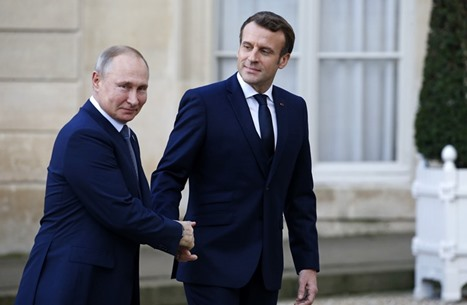 "بوتين وماكرون يدعوان لوقف فوري لإطلاق النار بـ""قره باغ"""