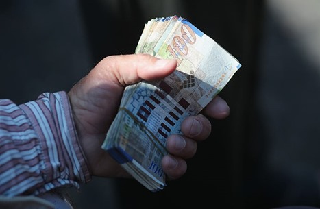 الاحتلال يحوّل أموال المقاصة إلى خزينة السلطة الفلسطينية