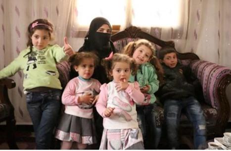 تلغراف: هذه معاناة امرأة حامل سجنت وأطفالها في أقبية الأسد