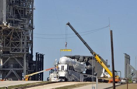 لقطات رائعة لهبوط صاروخ فالكون بعد نقل حمولة لدراغون (شاهد)