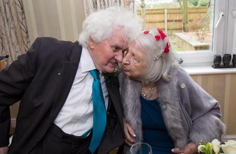 جدة بريطانية تتزوج من مشرد وقعت بحبه قبل 40 عاما (فيديو)