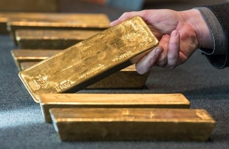 كيف تفاعل الذهب والدولار مع قرب رفع الفائدة الأمريكية؟