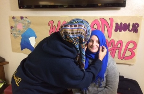 كنديات غير مسلمات يرتدين الحجاب تنديدا بالإسلاموفوبيا