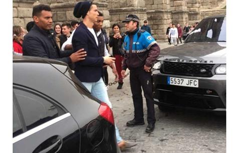 """سخرية واسعة من حذاء كريستيانو """"الغريب"""" (صورة)"""