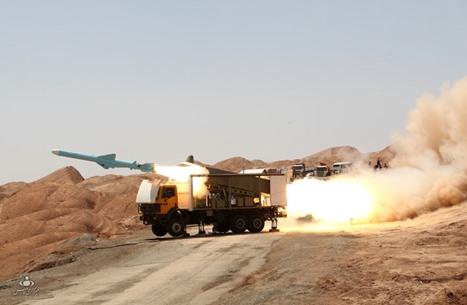 الجيش الإيراني يكشف عن منظومتين جديدتين للدفاع الجوي (صور)