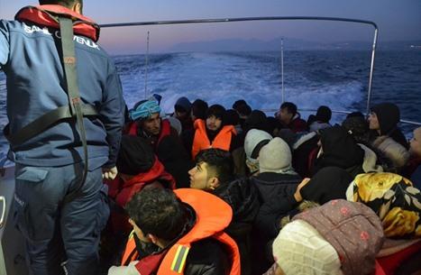 """اتفاق بريطاني فرنسي لتنسيق """"مواجهة الهجرة"""""""
